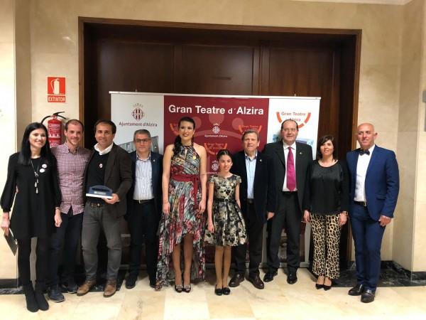 Lletres Falleres recibe el premio Pont de Ferro