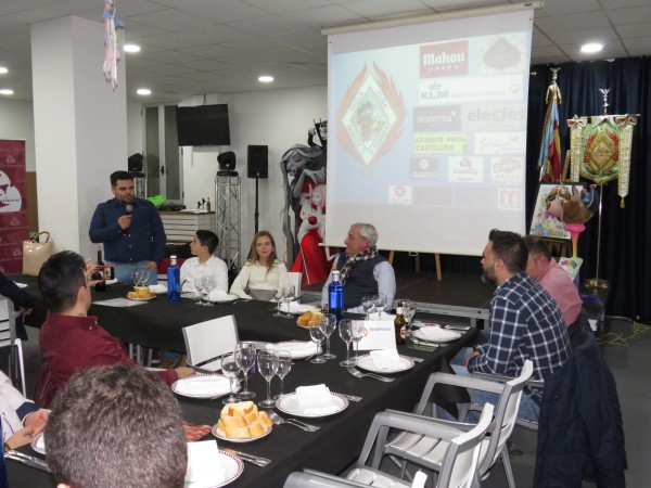 Cena de proyectos en Cuba-Literato Azorin