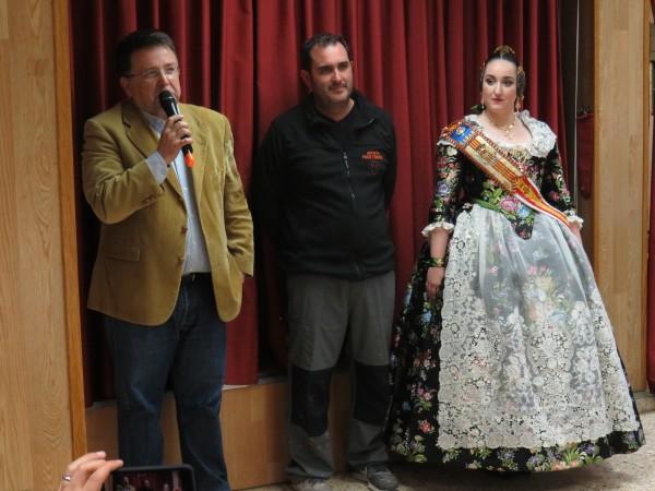 Paco Torres con el presidente y la fallera mayor de 2019 de la Falla Plaza del Pilar