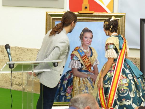 Recepción del retrato de la fallera mayor de Valencia 2019