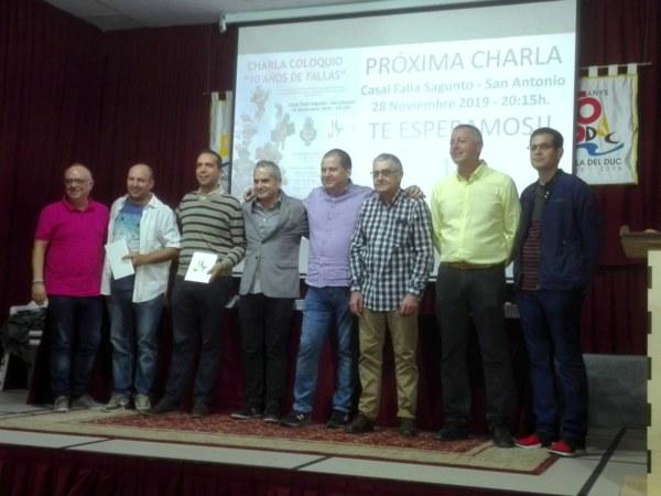 Participantes en el coloquio del 10º aniversario de Hablemos de Fallas