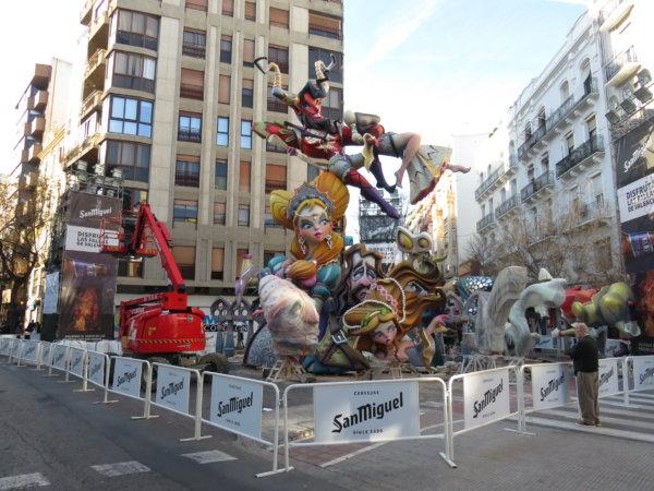 Falla Regne de València a medio plantar, 11 de marzo de 2020
