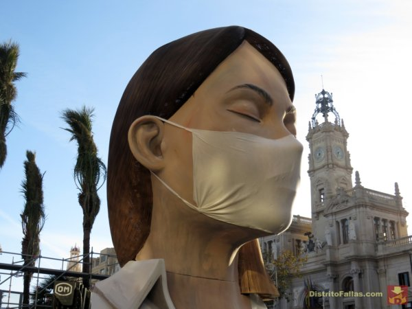 Falla del Ayuntamiento de València 2020, con la mascarilla
