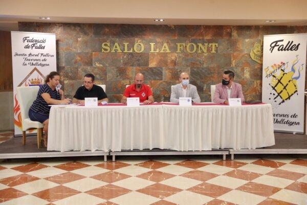 Reunión de juntas locales falleras en Tavernes de la Valldigna