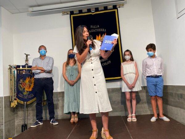 Entrega de dinero a Casa Caridad de parte de la Falla Conde de Salvatierra-Cirilo Amorós
