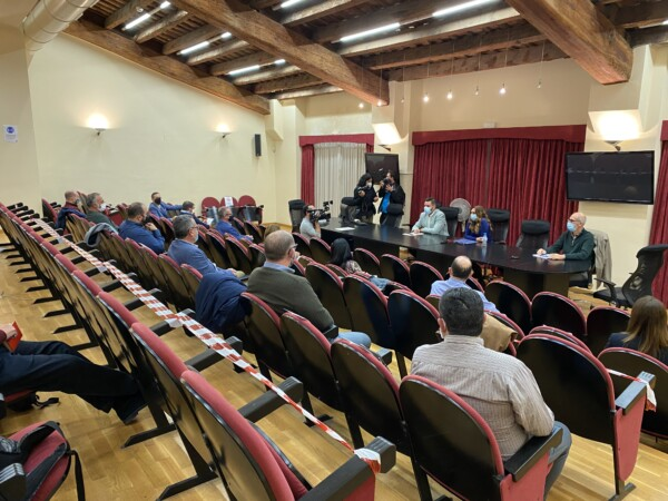 Reunión en JCF con Salud Pública (foto: JCF)