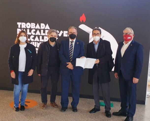 Artesanos de las Fallas piden protección a la administración