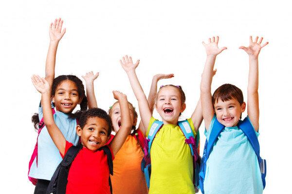 Niños escolares felices (foto: Depositphotos)
